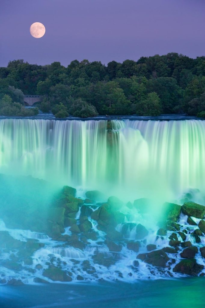 The American Falls, near Niagara Falls, Canada. Photo: Darwin Wiggett.