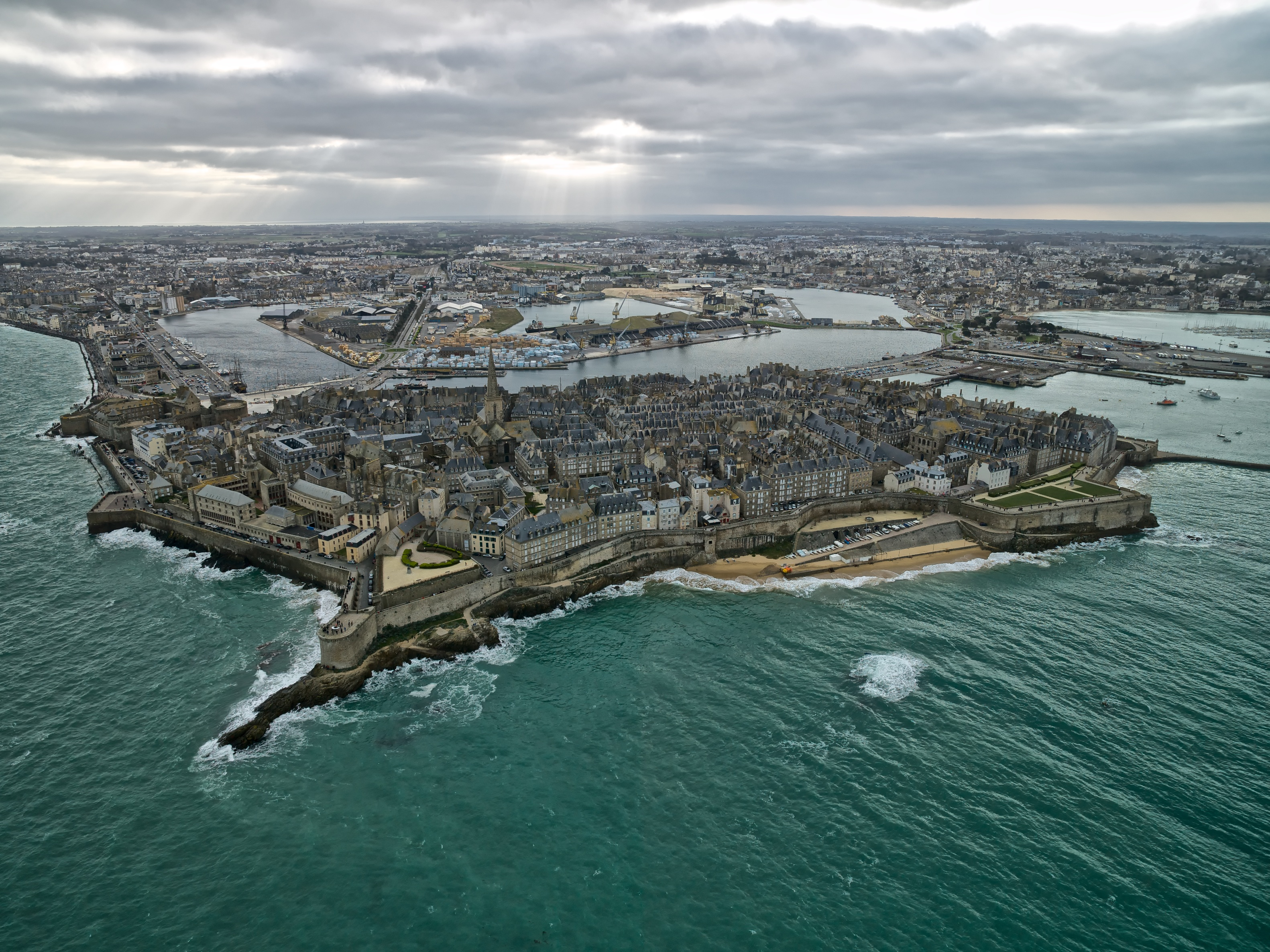 The great tide of the century, Saint-Malo, France
