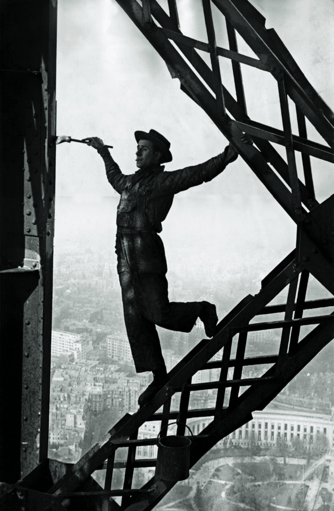 The Eiffel Tower Painter