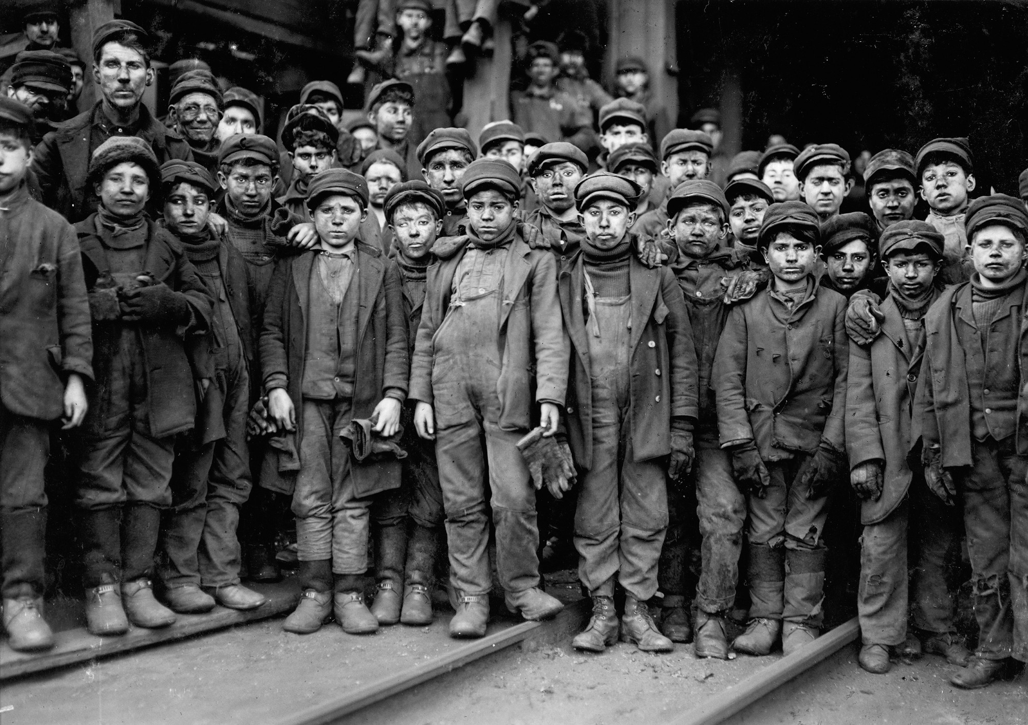 Breaker boys working in Ewen Breaker of Pennsylvania Coal Co. South Pittston, Pennsylvania