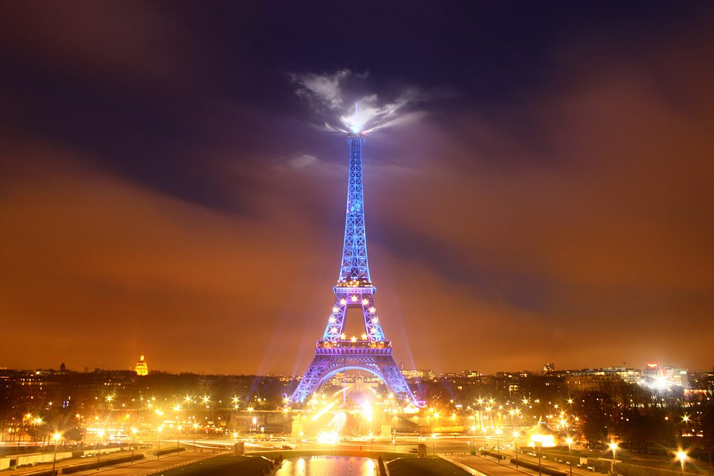Tour Eiffel Lightning