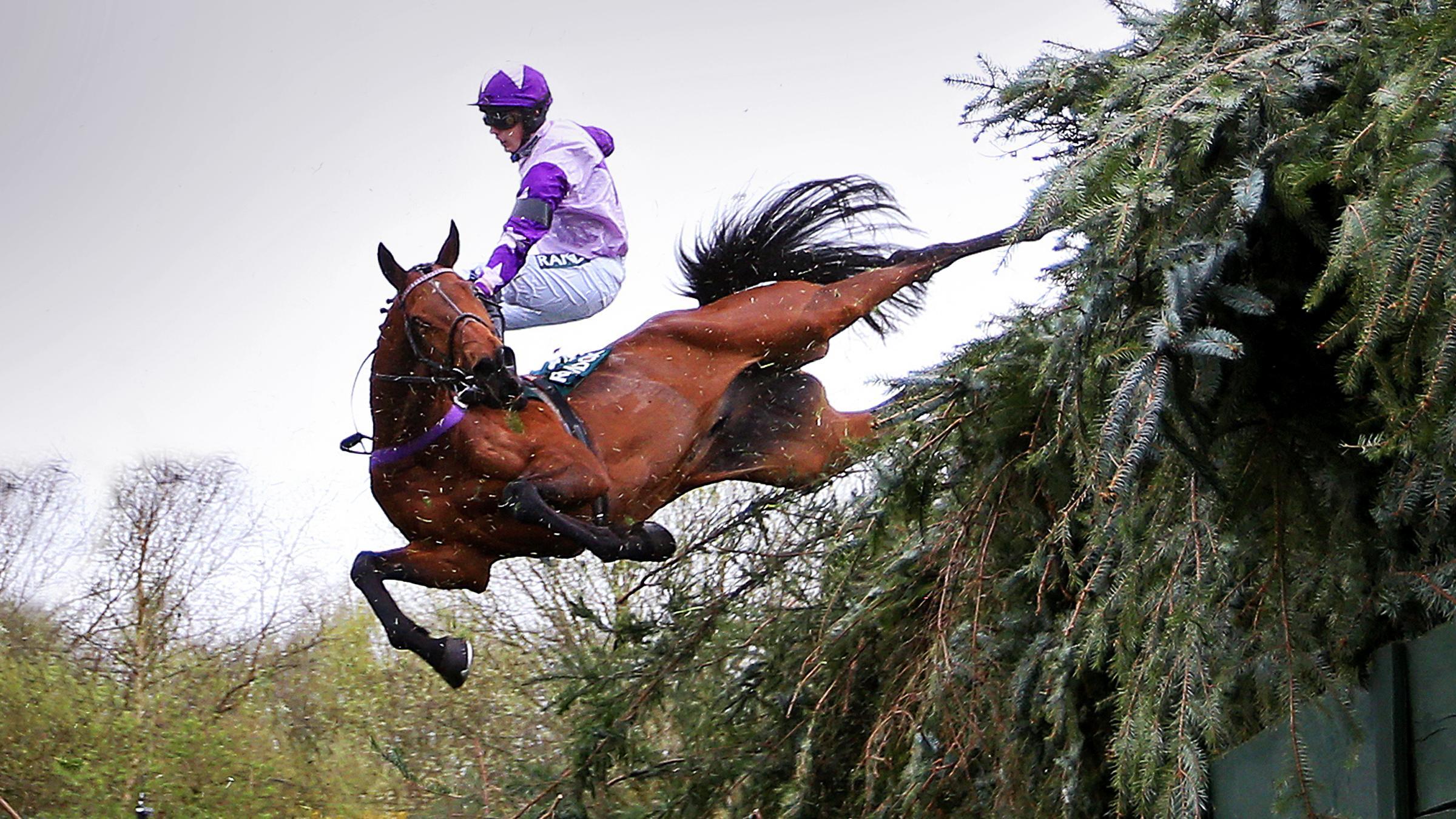 Sam Cavallaro falling