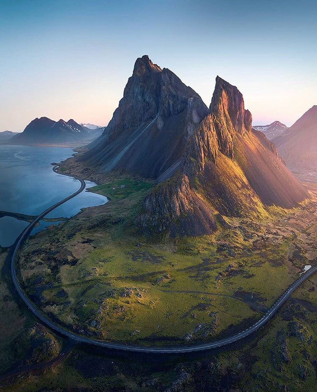 Road till the end of the world, Iceland